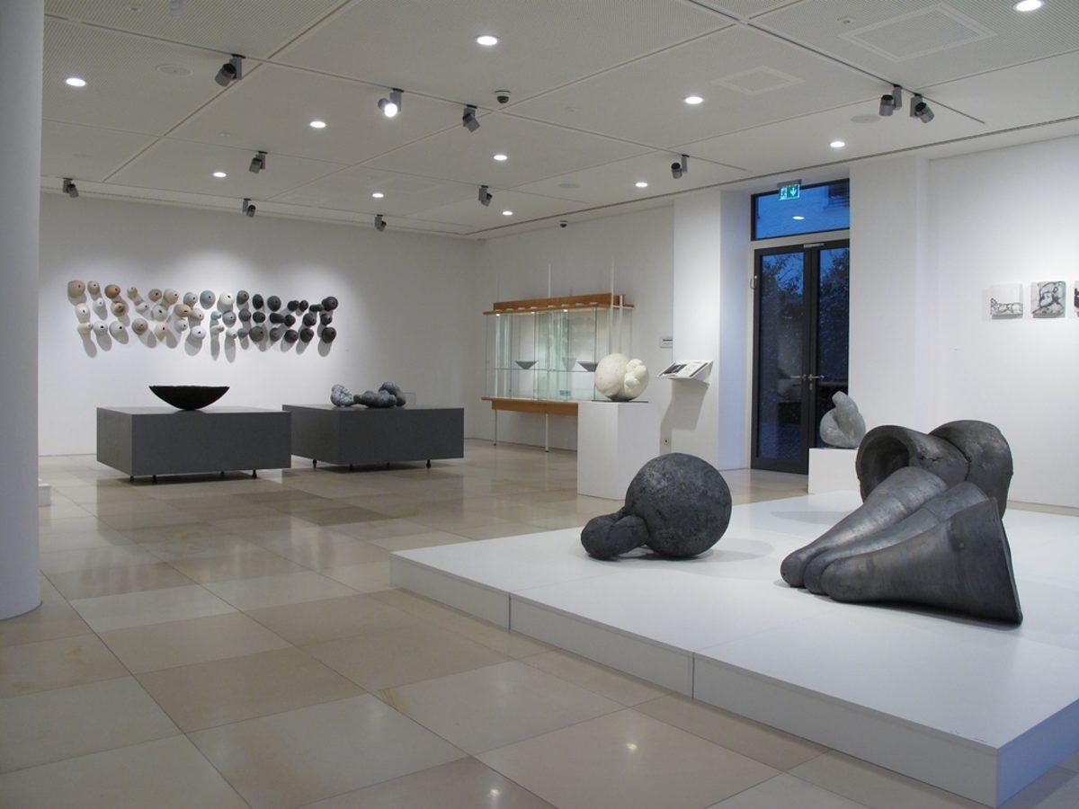 Diashow Zur Ausstellung Keramikzentrum Hohr Grenzhausen Handwerkskammer Fur Munchen Und Oberbayern